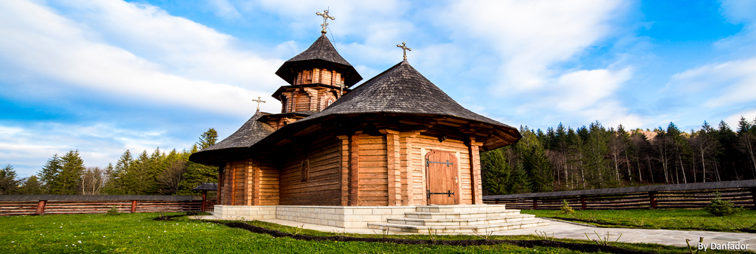 rumania-sihastria-monastery-putnei-danfador.jpg