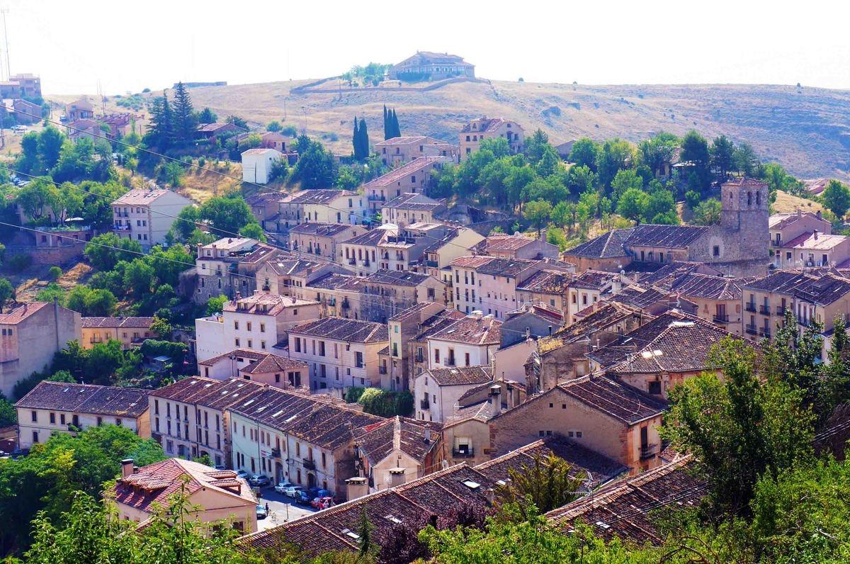 Bienvenida a la española: de ciudades a pueblos