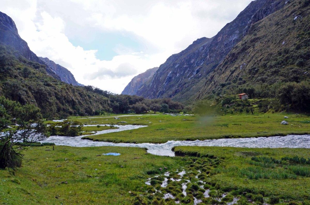 Vista del valle en el camino de vuelta de la Laguna 69