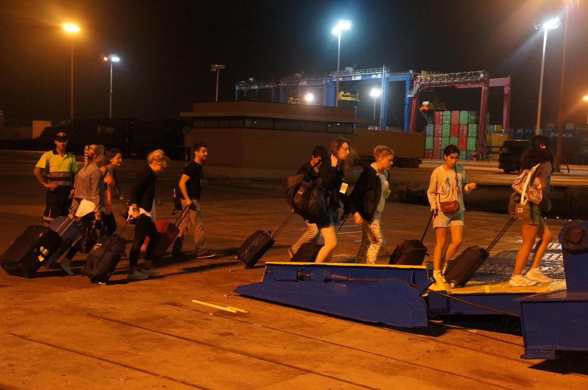 Abordando el ferry en Valencia