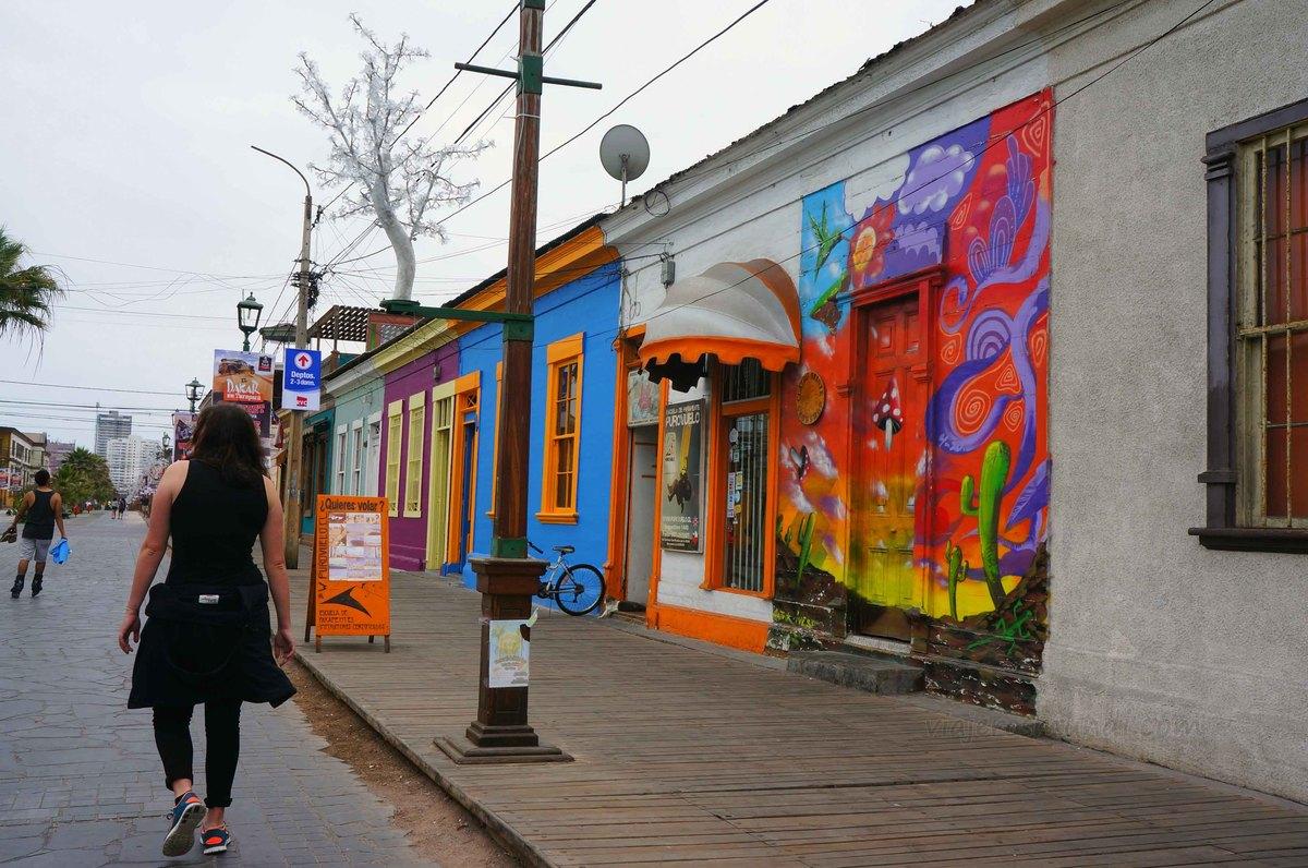 Grafitis en el Paseo Baquedano