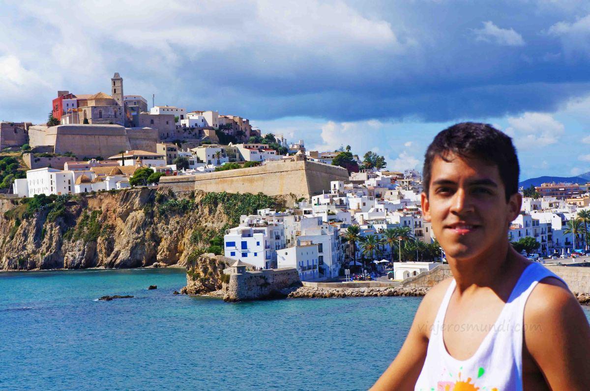 Centro histórico de Ibiza desde el ferry