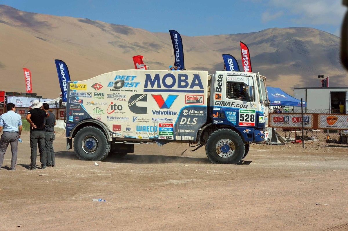Camión en la carrera del Dakar