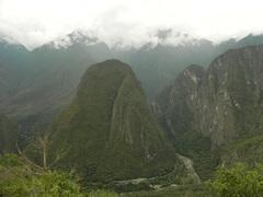 Las vista subiendo la montaña hacia Machu Picchu