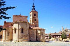 Iglesia románica en Segovia, España