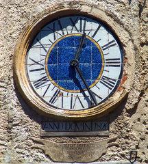 El viejo reloj de Montano Antilia