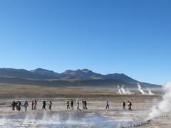 Turistas En Parque Geotérmico El Tatio