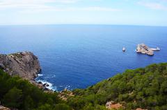 Vista desde los acantilados de Ibiza