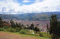 Vista de Huaraz, con la Cordillera Negra al fondo