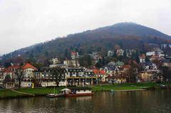 Río Neckar en Heidelberg, Alemania