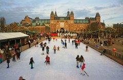 El Museo Nacional de Ámsterdam y su pista de hielo
