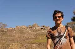 Frente a la Gran Pirámide