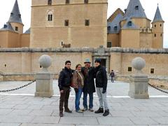 Frente al Alcázar de Segovia