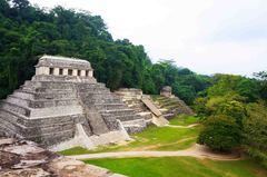 Plaza central de Palenque