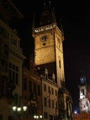Torre del Viejo Ayuntamiento de noche, Praga