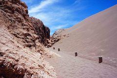 Arena y roca en el Valle de la Luna