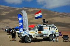 Camioneta en el rally del Dakar