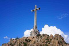 Cruz del Valle de los Caídos, la más grande del mundo