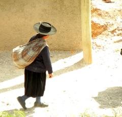 Típica mujer norteña en Iruya, Jujuy