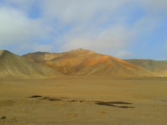 Camino a Paracas, atravesando el desierto