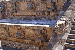 Cabezas del dios Quetzalcóatl