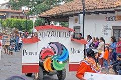 Desfile de pueblos màgicos en Mazamitla