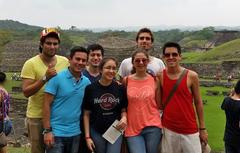 En la antigua ciudad totonaca de El Tajín
