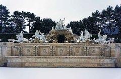 Fuente en el Palacio de Schönbrunn, Viena