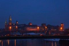Castillo de Wawel en Cracovia visto de noche
