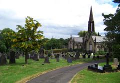 Cementerio de Huddersfield e iglesia