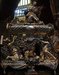 Interior de la Catedral de San Vito en el Castillo de Praga