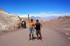 Max y yo en la cima del Valle de la Luna