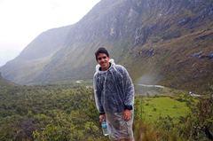 Bajo la lluvia en el trekking de vuelta de la Laguna 69