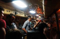 En el bus rumbo a Privilege en Ibiza