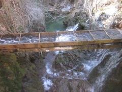 Acueducto por donde pasa el río
