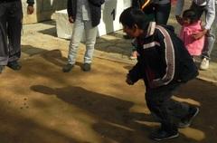 Torneo de trompo y bolita en Cachi, Salta