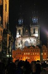 Iglesia de Týn de noche, Praga