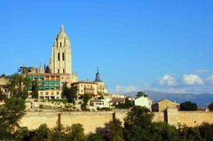 Vista de Segovia y su catedral desde el Alcázar