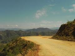 Camino empedrado a Cochabamba