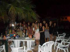 La pandilla antes de una noche de fiesta, Ibiza