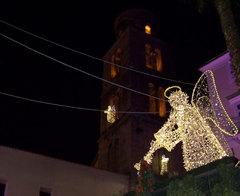 Luminarias en proximidad de la catedral de Salerno