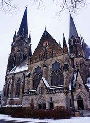 Una iglesia en un barrio al este de Berlín