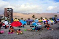 Turistas en las playas de Iquique
