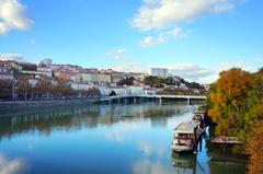 Vista del Ródano desde su malecón, Lyon