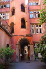 La Torre rosa en el Viejo Lyon
