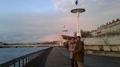 Piscina pública sobre el río Ródano, Lyon
