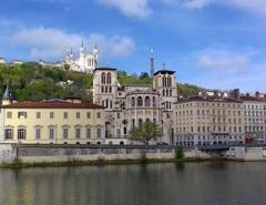 Vista de Lyon desde el río Saona