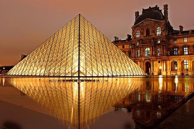 large.Louvre.jpg.7f5d1d00948076d1df4bd8b4da5483c6.jpg