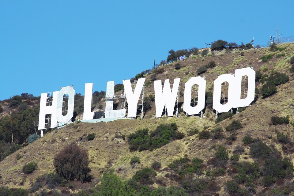 large.hollywood-573444_960_720.jpg.e90242bdd2f7f54b23e05954d8a2feac.jpg