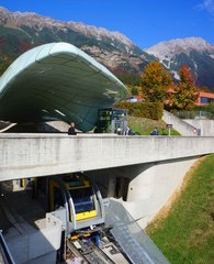 Estación funicular en Innsbruck, Austria